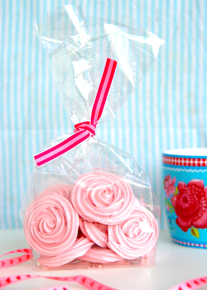Vanilla Meringue Roses
