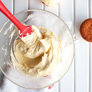 How to Make French Buttercream Featured