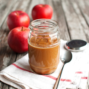 Homemade Caramel Apple Sauce Featured
