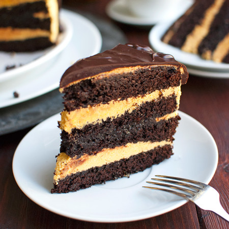 Rustic-Looking Dark Chocolate Cake with Pumpkin Buttercream and a Caramel Filling