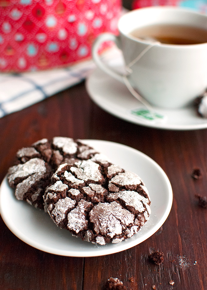 The Tough Cookie | Chocolate Crackle Cookies | thetoughcookie.com