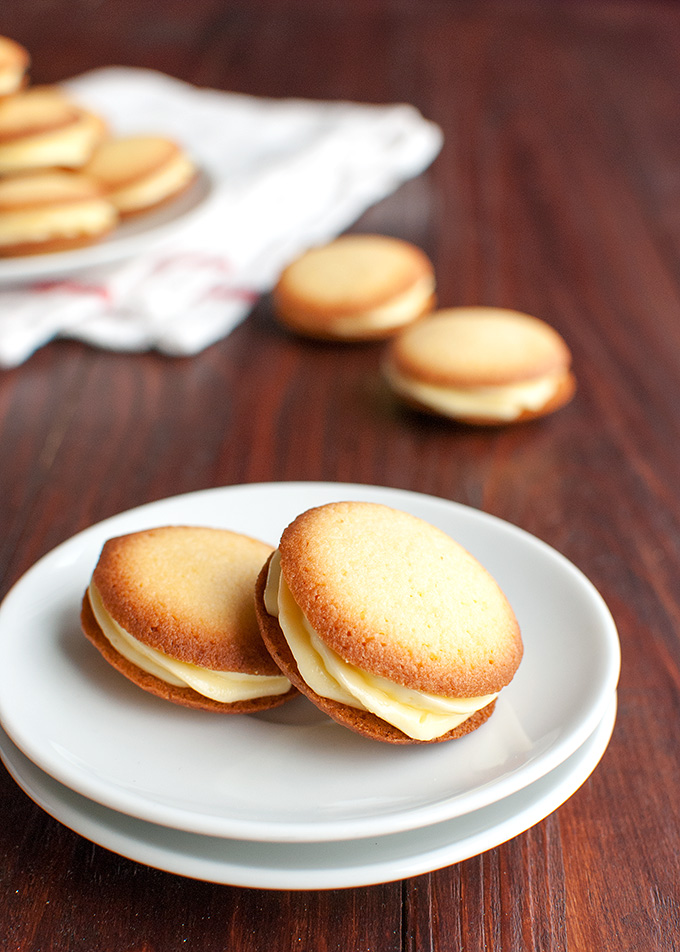 The Tough Cookie | Easy Cream-Filled Vanilla Sandwich Cookies | thetoughcookie.com