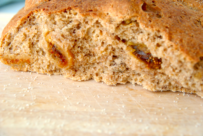 Spelt Bread with Walnuts and Figs