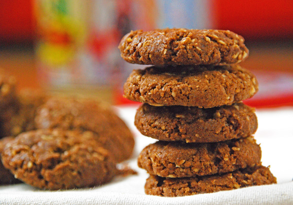 Brown-Cookies-Pile