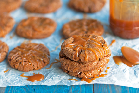 Caramel-Molasses-Cookies-8