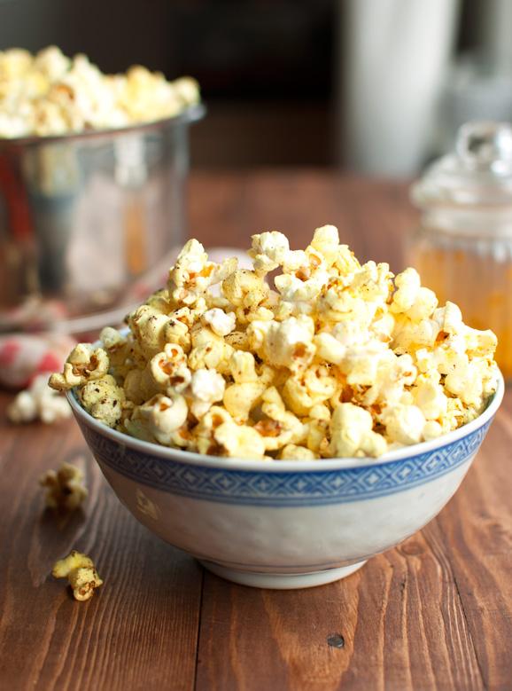 Healthy Garam Masala Popcorn