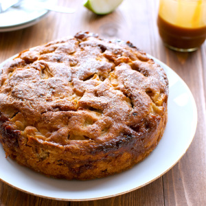 Easy Caramel Apple Cake Featured