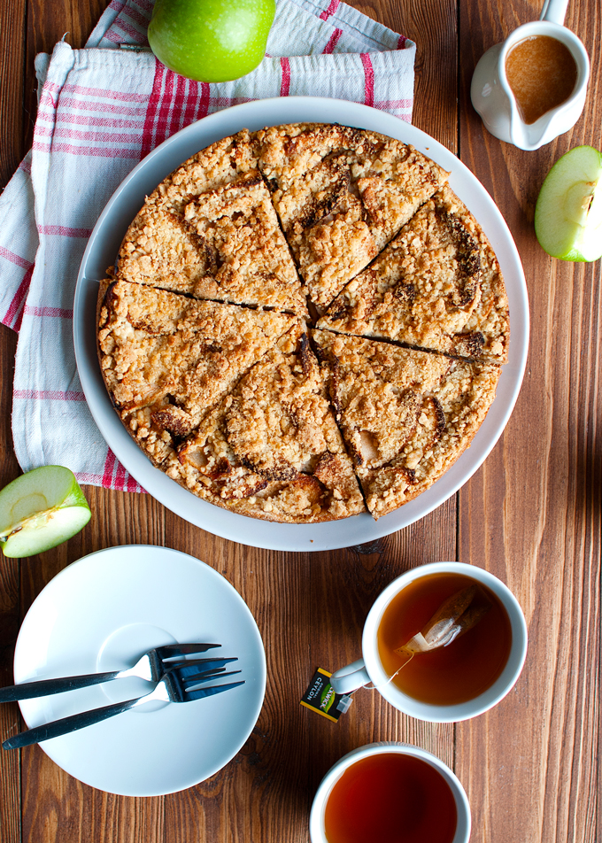 Apple Cookie Crumb Cake