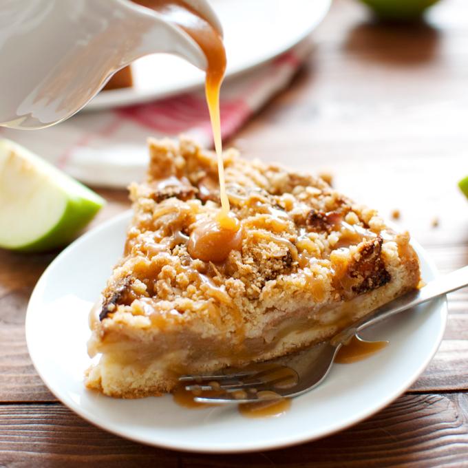 Classic Dutch Apple Cake