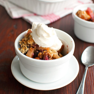 Apple and Mixed Berry Crumble with Biscoff Cookies Featured