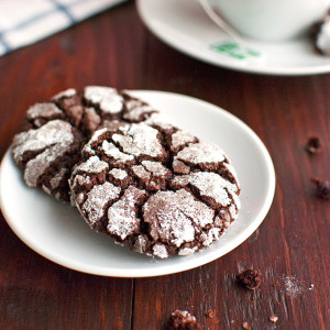 Chocolate Crackle Cookies Featured