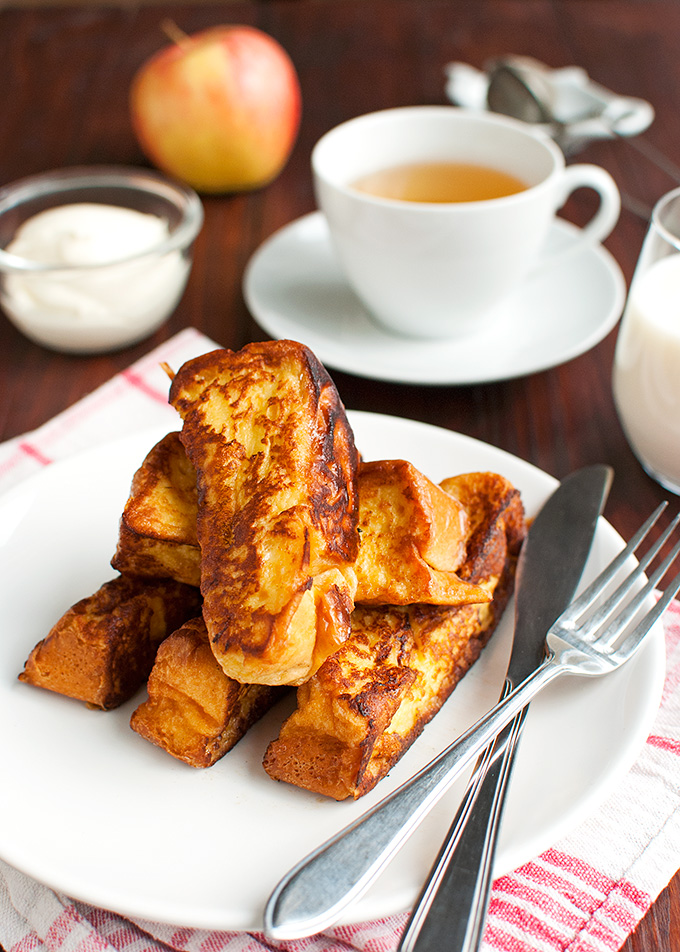 The Tough Cookie | Brioche French Toast with Vanilla Crème Fraiche | thetoughcookie.com