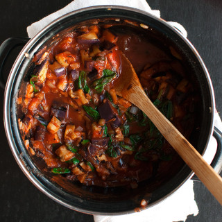 20-Minute Eggplant and Spinach Penne Pasta