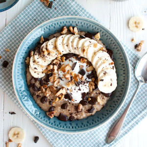 Chunky Monkey Oatmeal | brown sugar oatmeal topped with banana slices, toasted walnuts, and a lot of chocolate! | thetoughcookie.com