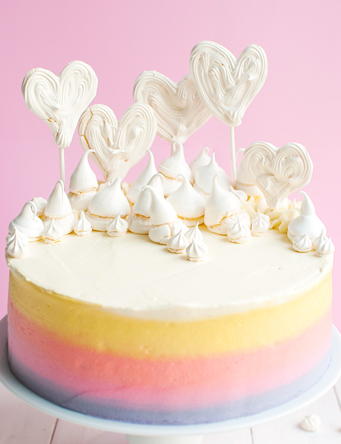 Fun Freehand Meringue Heart Pops - these make super cute cake toppes, too! | thetoughcookie.com
