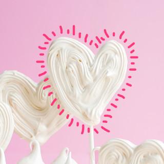 Freehand Meringue Heart Pops